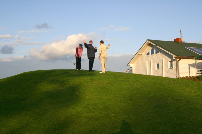 5 Things to Consider When Buying a Home on a Golf Course
